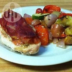 Geroosterde kip in parma ham met mediterrane groenten recept ...