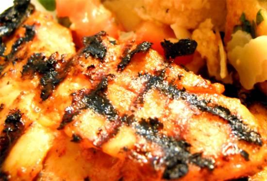 Gegrilde kipfilet met mediterrane marinade recept