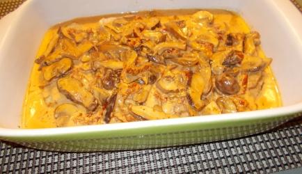 Oven schnitzels met een romige paddenstoelensaus met ...