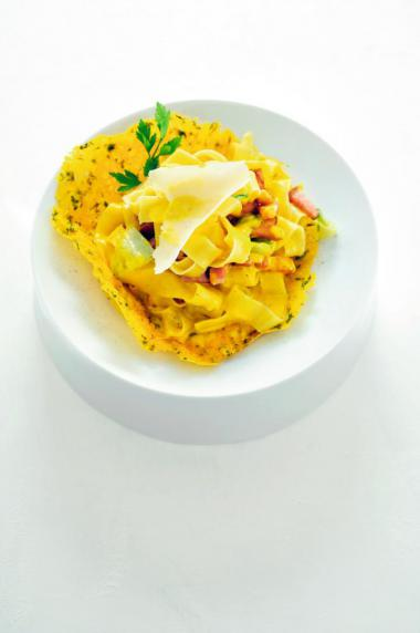 Recept 'tagliatelle in een korfje van parmezaan'