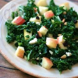 Boerenkoolsalade met appel en feta recept