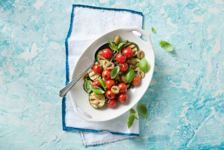 Italiaanse courgette-tomatensalade