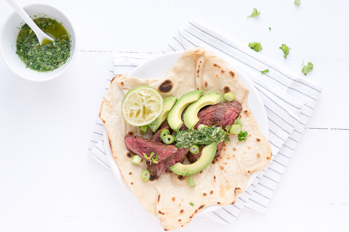 Fresh & easy: wraps met biefstuk en groene salsa