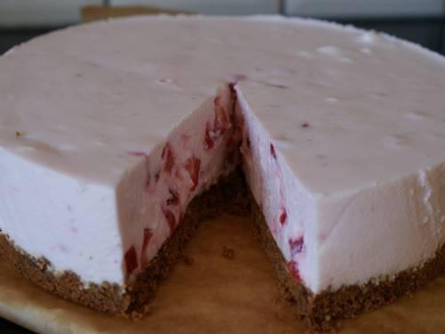 Kwarktaart met aardbeien met extra dikke bodem recept