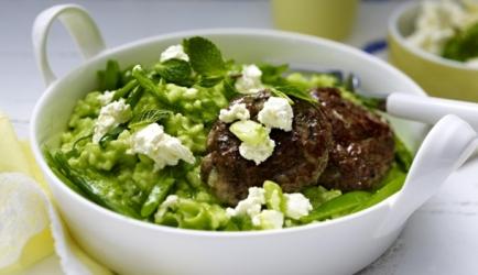 Heerlijke groene risotto met veel verse kruiden doperwtjes en pesto ...
