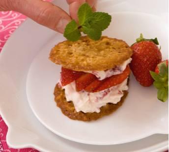 Aardbeienmascarpone met kletskoppen recept