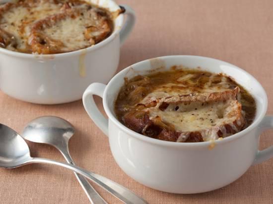 Pittige franse uiensoep met een twist (pot au feu) recept ...
