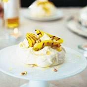 Pavlova met gegrilde mango recept