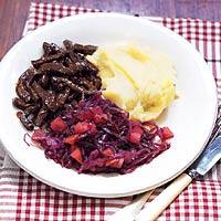 Rodekool met hachee en aardappelpuree recept