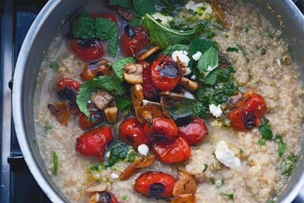 Yotam ottolenghi's quinoa met gegrilde tomaten en knoflook ...