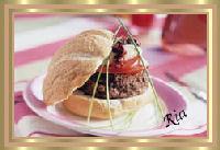 Mozzarellaburgers met gedroogde tomaten recept