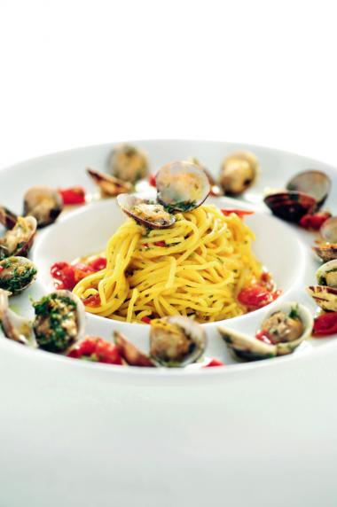 Recept 'spaghetti met venusschelpen en bottarga'