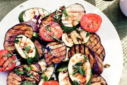 Gegrilde groenten van de barbecue