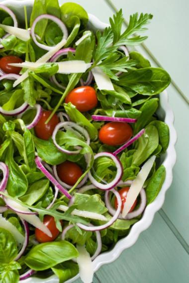 Recept 'zomerse salade met mosterdvinaigrette'