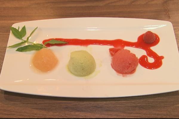 Trio van sorbet: meloen, kiwi & aardbei
