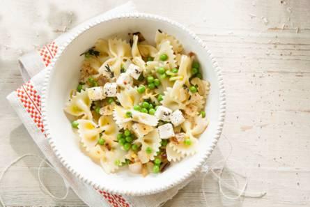 Frisse pasta met erwten & kaas