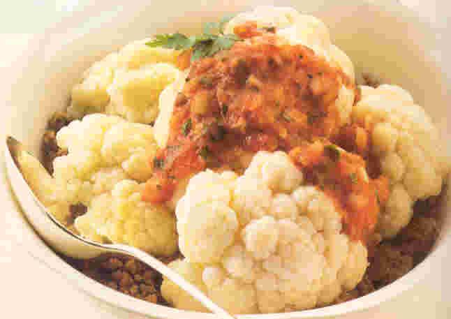 Ovenschotel van gehakt met bloemkool en tomatensaus recept ...