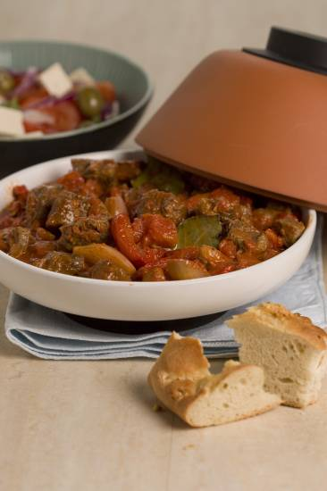 Stifado voor de slowcooker of oven recept