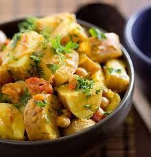 Aardappel kikkererwten curry recept