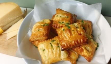Kaasbroodjes met bieslook recept