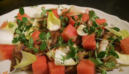 Uitgebakken buikspek met watermeloen en inktvis recept ...