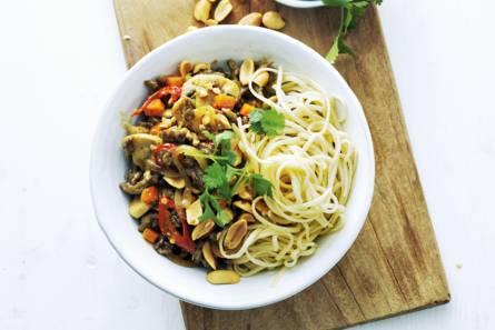 Noedels met gehakt en groenten