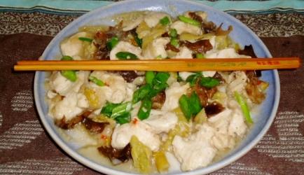 Variatie op gestoomde char choy kip met gepekeld mosterd ...
