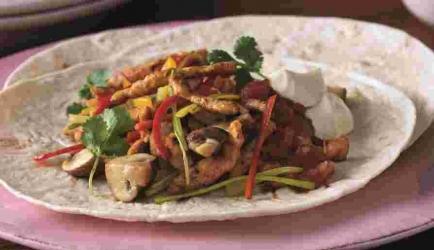 Gegrilde kip fajita met champignons en paprika recept