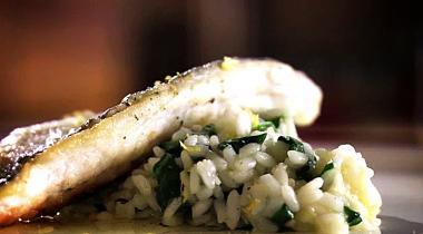 Recept 'zeebaars met spinazierisotto'