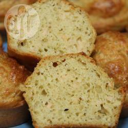 Hartige muffins met pesto en zalm recept