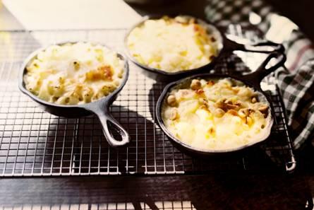 Aardappel-bloemkoolgratin met hazelnoot