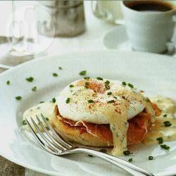 Engelse muffins met gepocheerde eieren recept
