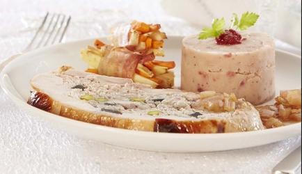 Gevulde kalkoen met groenterolletjes en bosbessenpuree recept ...