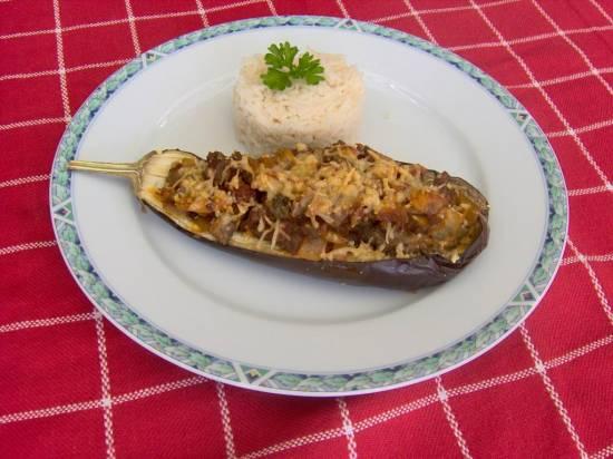 Gevulde aubergines met gehakt, champignons, ui en rijst recept ...