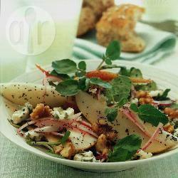 Peren-waterkerssalade met roquefort recept