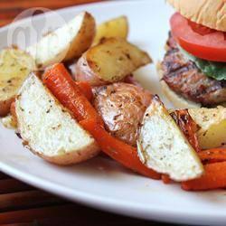 Geroosterde aardappels en wortels recept