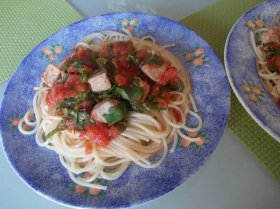 Pasta ( spaghetti ) met verse tonijn, tomaten en rucola recept ...
