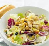 Griekse salade met gebakken kip recept