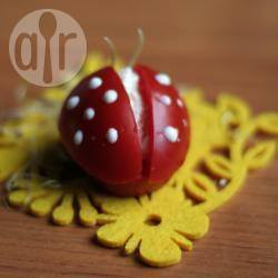 Lieveheersbeestjes van tomaat en kwark recept