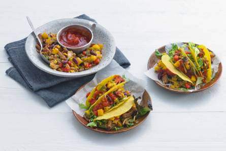 Taco's met gyros, mango en salsa
