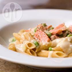 Romige pasta met gerookte zalm recept