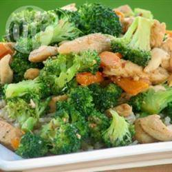 Pittige kip en broccoli uit de wok recept