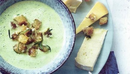 Courgettesoep met kaascroutons recept