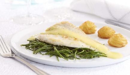 Gebakken tarbot met zeekraal en saffraansaus recept