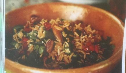 Pilav met okra, noten en pitten recept