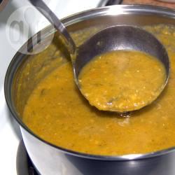 Kruidige pompoensoep met linzen recept