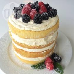 Naked cake met mascarpone en rood fruit recept