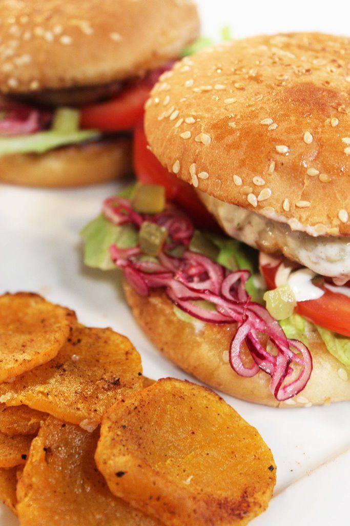 Recept 'visburger met chips van zoete aardappel'