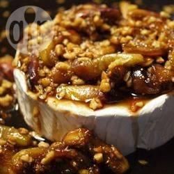 Brie met vijgen en amandelen uit de oven recept