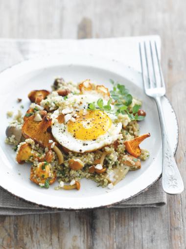 Recept 'quinoa met paddenstoelen en een gebakken eitje'